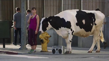 Chick-fil-A Catering TV Spot, 'Gather Around' Song by The Bee Gees - Thumbnail 5
