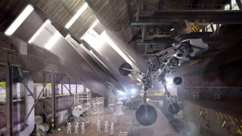 Calphalon Self-Sharpening Cutlery TV Spot, 'Factory' - Thumbnail 8