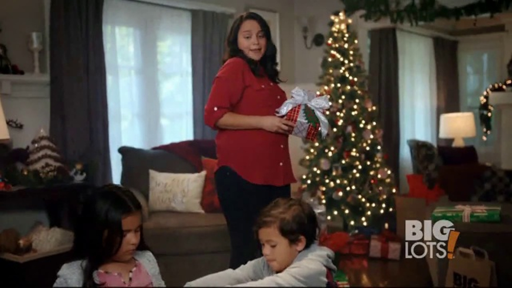 Big Lots TV Commercial, 'Holidays: Serta Perfect Sleeper' - iSpot.tv