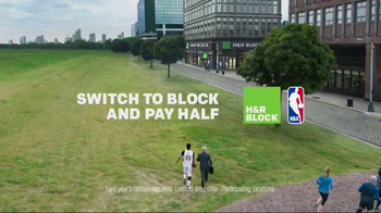H&R Block TV Spot, 'Jog Into Refund Season' Featuring Anthony Davis - Thumbnail 8
