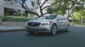 2017 Buick Lacrosse TV Spot, 'Philly and Boston' Song by Matt and Kim - Thumbnail 6