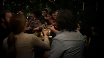 Olive Garden Catering TV Spot, 'We Bring the Food. You Bring the Family.'
