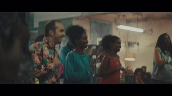 Smirnoff Ice Electric Berry TV Spot, 'Keep It Moving: Chris Fonseca' - Thumbnail 5