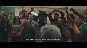 Smirnoff Ice Electric Berry TV Spot, \'Keep It Moving: Chris Fonseca\'