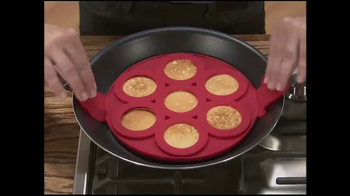 Flippin' Fantastic TV Spot, 'Perfect Pancakes' Featuring Jeremy Rabe - Thumbnail 3