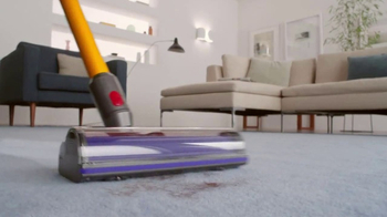 Dyson V8 TV Spot, 'Cord-Free. Hassle-Free.'