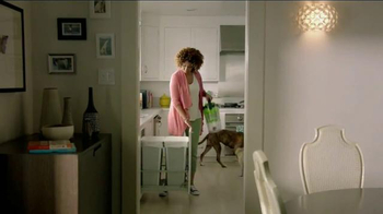 Bissell Pet Hair Eraser Vacuum TV Spot, 'Home With the Pets' - Thumbnail 7