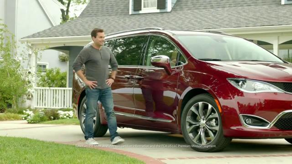 Amazing 2017 Chrysler Pacifica TV Commercial 39HandsFree Door