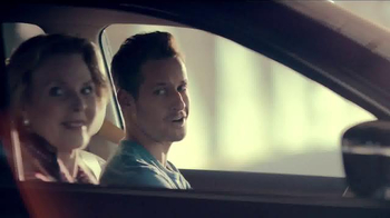 Nissan Rogue TV Spot, 'Family Visit' Song by Edwin Starr - Thumbnail 2