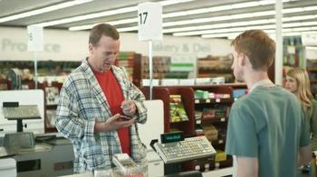 DIRECTV NFL Sunday Ticket TV Spot, 'Peyton on Sunday Mornings: Groceries' - Thumbnail 7