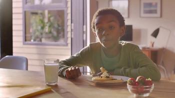 EGGO Waffles TV Spot, 'EGGO Rule No. 94: Father and Son' - Thumbnail 9