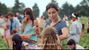 One A Day Women's TV Spot, 'Berry Picking' - Thumbnail 2