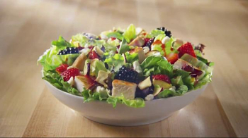 Wendy's Summer Berry Chicken Salad TV Spot, 'Summer'
