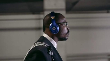Beats Studio Wireless TV Spot, 'Underdog: Von Miller' Song by Travis Scott