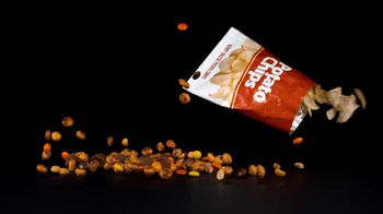 Hershey's Snack Mix TV Spot, 'Snack Time' - Thumbnail 2
