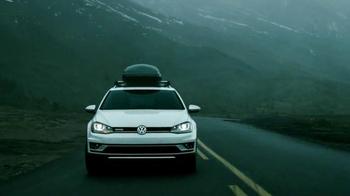 2017 Volkswagen Golf Alltrack TV Spot, 'Foggy Road'