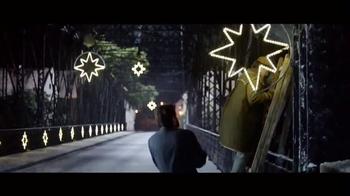 Stella Artois TV Spot, 'Holiday 2015: Naming' - Thumbnail 3