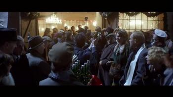 Stella Artois TV Spot, 'Holiday 2015: Naming' - Thumbnail 6