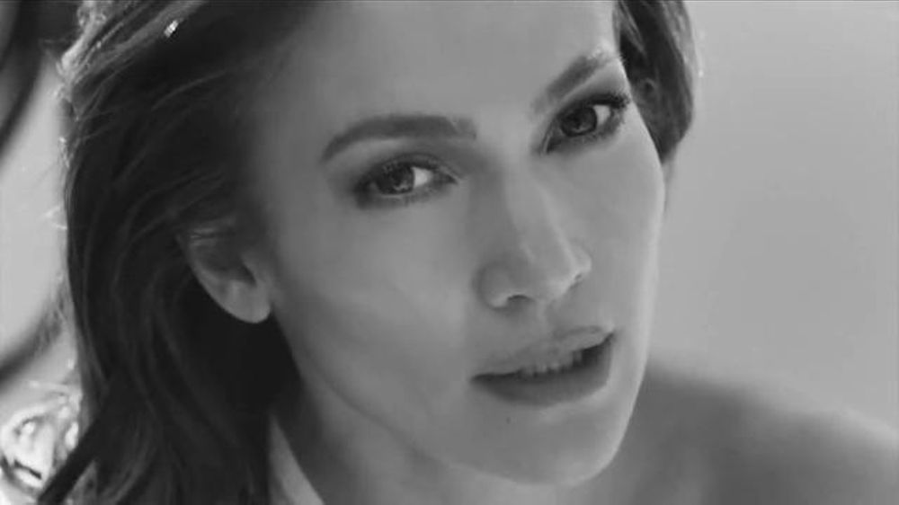 L'Oreal Paris Bright Reveal TV Commercial, 'Glow' Featuring Jennifer Lopez