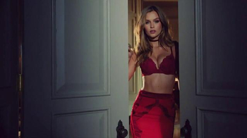 Victoria's Secret Sexy Little Things TV Spot, 'On the Scene'
