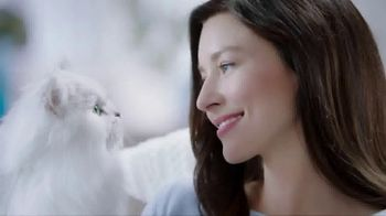 Fancy Feast Creamy Delights TV Spot, 'Just the Right Touch'