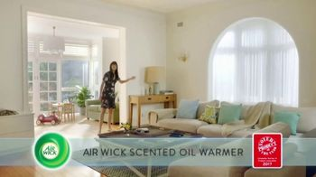 Air Wick Scented Oil Warmer TV Spot, 'Voted Product of the Year' - Thumbnail 4