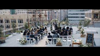 Verizon Unlimited TV Spot, 'Live Wedding: Pixel' Ft. Thomas Middleditch - Thumbnail 1