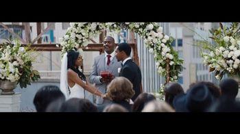 Verizon Unlimited TV Spot, 'Live Wedding: Pixel' Ft. Thomas Middleditch - Thumbnail 2