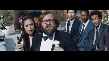 Verizon Unlimited TV Spot, 'Live Wedding: Pixel' Ft. Thomas Middleditch - Thumbnail 4