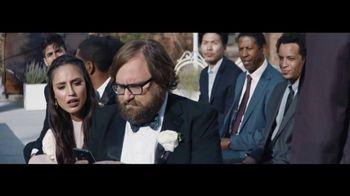 Verizon Unlimited TV Spot, 'Live Wedding: Pixel' Ft. Thomas Middleditch - Thumbnail 5