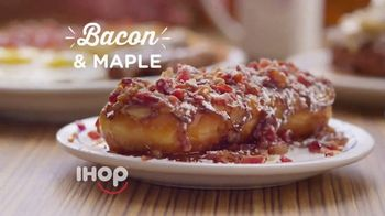 IHOP French-Toasted Donuts TV Spot, 'Stop Everything!' - Thumbnail 4