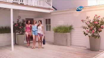 Dial Hibiscus Water Body Wash TV Spot, 'Beach Day' - Thumbnail 1