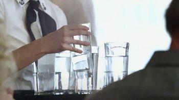 Tide Pods TV Spot, 'Waitress' - Thumbnail 8