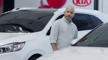 Kia Summer's On Us Sales Event TV Spot, 'Jet Ski' - Thumbnail 5