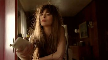Garnier Fructis Sleek & Shine TV Spot, 'Super Sleek Hair' Song by ZZ Top - Thumbnail 1