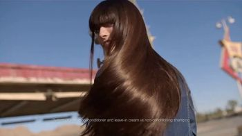 Garnier Fructis Sleek & Shine TV Spot, 'Super Sleek Hair' Song by ZZ Top - Thumbnail 6