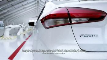 2017 Kia Forte TV Spot, 'Avoid Danger (and Paint!) With Lane Keep Assist' - Thumbnail 4