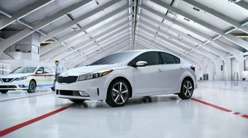 2017 Kia Forte TV Spot, 'Avoid Danger (and Paint!) With Lane Keep Assist' - Thumbnail 8