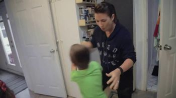 Weight Watchers TV Spot, 'The Shrinking Momma: Free Starter Kit' - Thumbnail 2