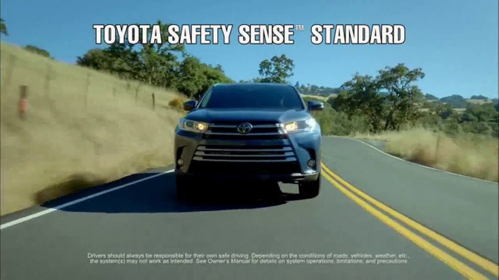 Camry Queen Commercial >> 2017 Toyota Highlander TV Commercial, 'It's Time for Life: Explore' - iSpot.tv