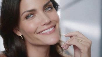 Olay 28-Day Challenge TV Spot, 'Ageless Skin'