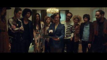 Stella Artois TV Spot, 'Party Trick' Song by Liz Brady - Thumbnail 5