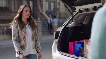 2017 Jeep Compass TV Spot, 'Get a Life' Featuring Catt Sadler, Tim Meadows - Thumbnail 7
