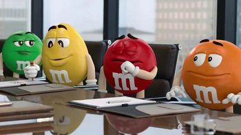 M&M's Caramel TV Spot, 'Group Talk' [Spanish]