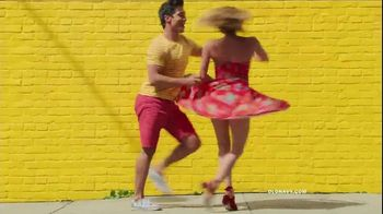 Old Navy TV Spot, 'Hi, Light' Song by Sofi Tukker - Thumbnail 6