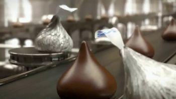 Hershey's Kisses TV Spot, 'Baking With Kisses' - Thumbnail 3
