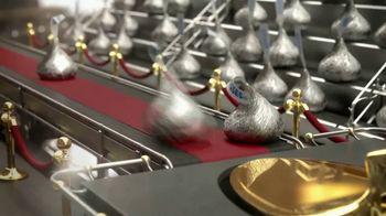 Hershey's Kisses TV Spot, 'Baking With Kisses' - Thumbnail 6