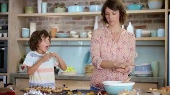 Hershey's Kisses TV Spot, 'Baking With Kisses' - Thumbnail 8