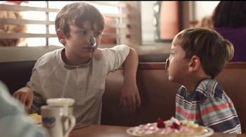 IHOP TV Spot, 'La historia de dos hermanos' [Spanish]