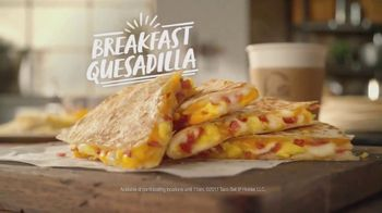 Taco Bell Breakfast Quesadilla TV Spot, \'Preparation\'